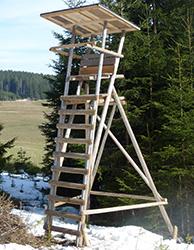 Ansitzleiter mit Stehfläche (mit Dach)